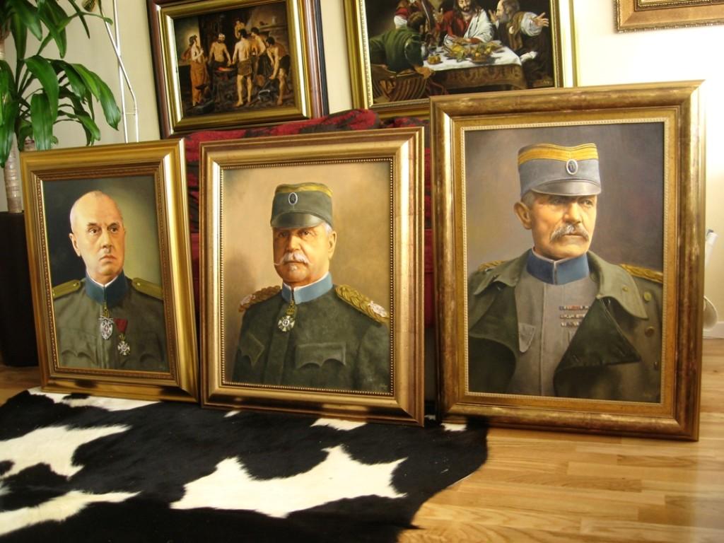 tri heroja